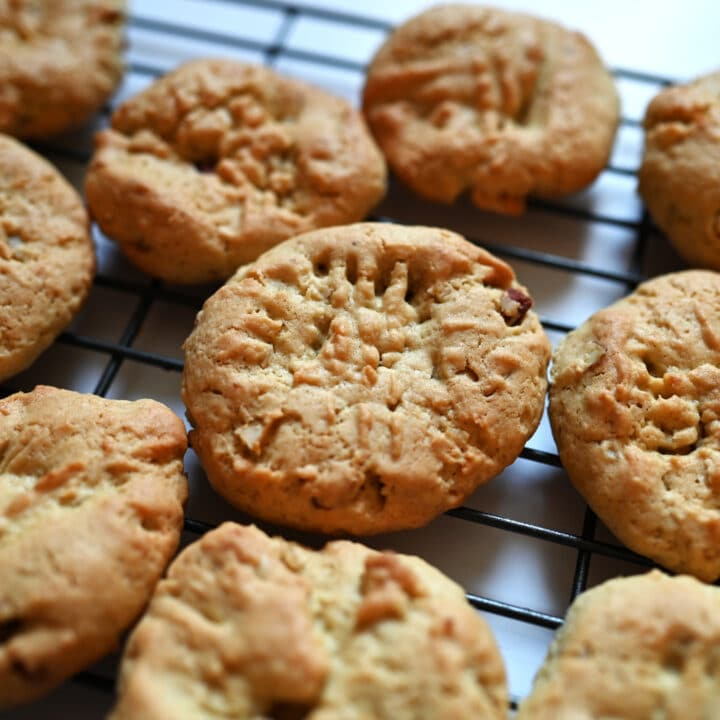 Coconut Cookies with Mixed Nuts