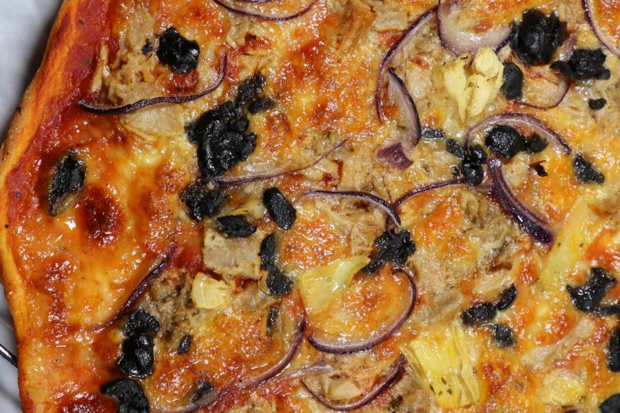 Piza Tuna and Red Onion
