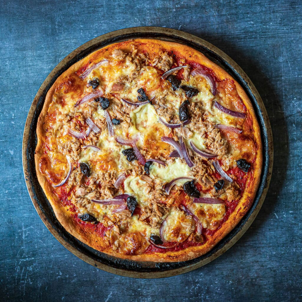 Tuna Pizza with Red Onion