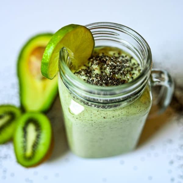 Avocado & Kiwi Smoothie with Lime and Chia Seeds3