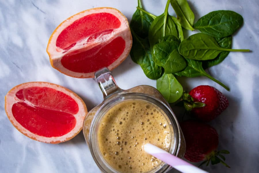 Grapefruit_Strawberry_Spinach_Detox_Smoothie