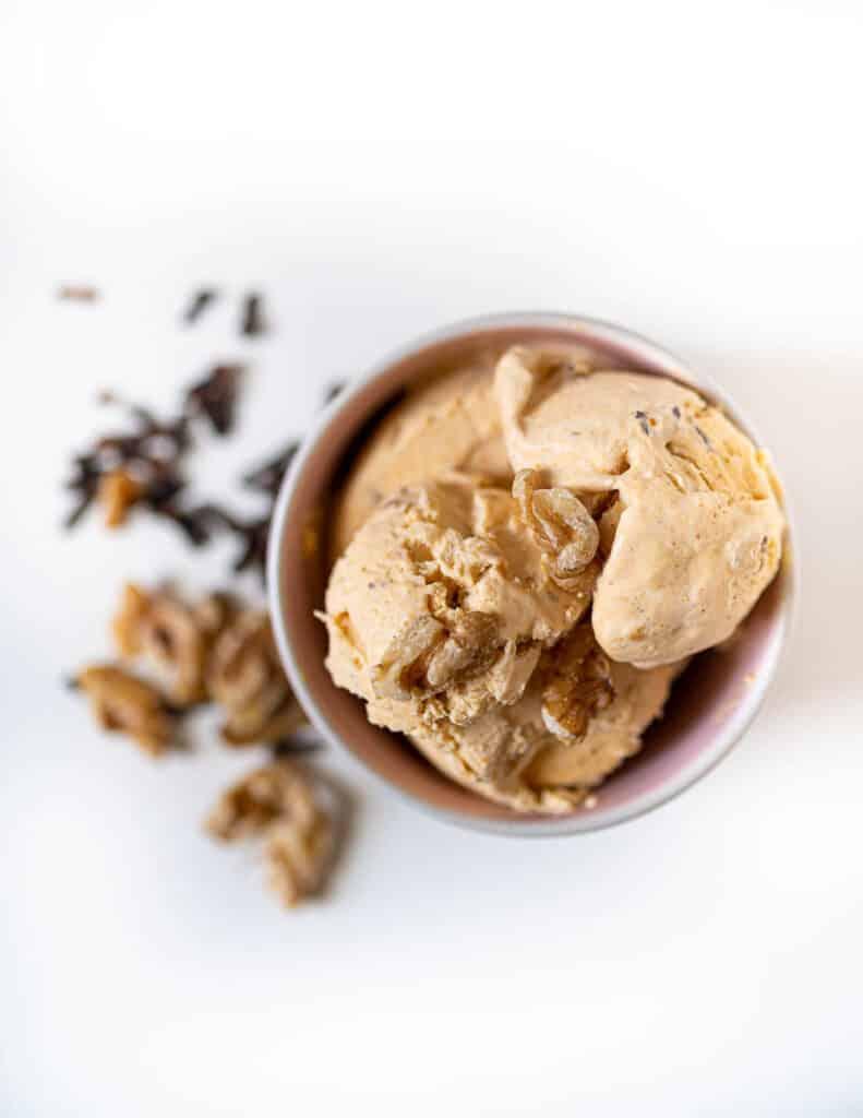Pumpkin Spice Ice Cream with Walnuts1