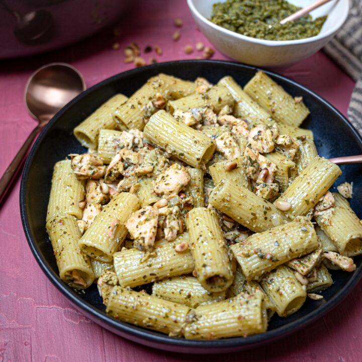 image of salmon pesto pasta