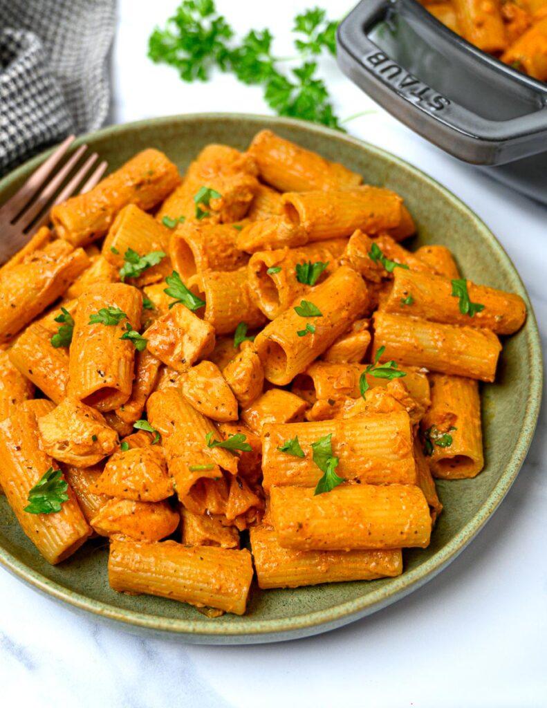 image of a creamy spicy chicken pasta