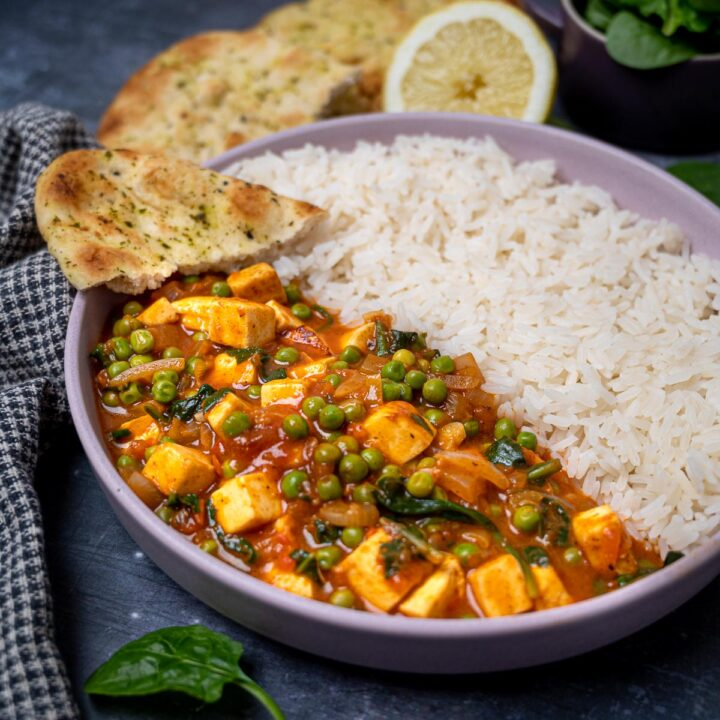 Photo of a bowl of paneer curry