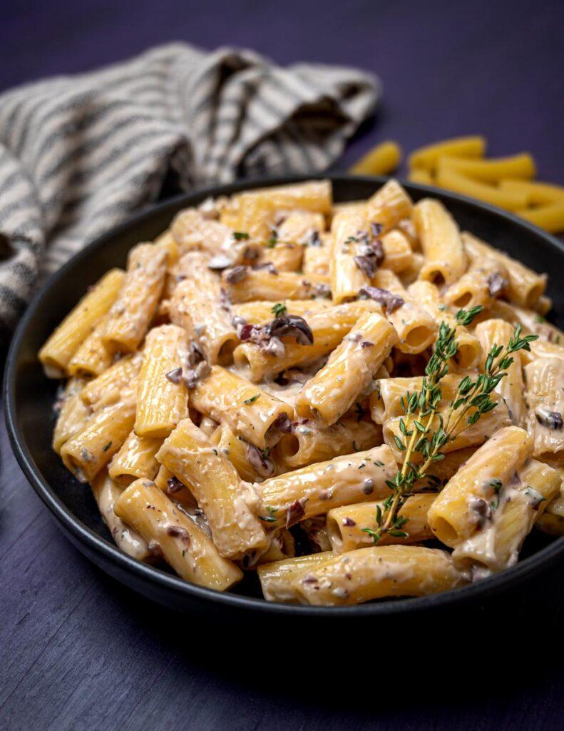 A plate of pasta alla cenere