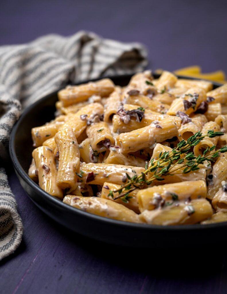 A bowl of pasta alla cenere